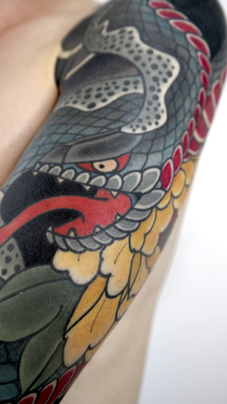 Lars Wilczinski, Tattookünstler, Tattoo-Atelier Berlin, Hebi, Schlange, Japanese Tattoo, Japanisches Tattoo, Bedeutung symbolik Japan Tattoo, Japantattoo Motive Japanische Tattoos
