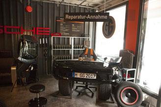 """Maniküre und Pediküre für den Mann in einzigartiger Umgebung: Blick in die """"Garage"""" (Foto: Gents Garage)"""