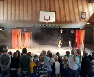 Theater an der  Meußdoerffer Grundschule, Bilder: Peter Dorsch Bayreuth