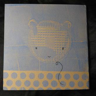 Gelantinedruck mit Keksverpackung und Bleistiftzeichnung