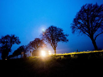 Einwandfreie Scheinwerfer sind besonders in der dunklen Jahreszeit Pflicht - der diesjährige Licht-Test stellte jedoch Mängel an jedem dritten Auto fest. Foto: Julian Stratenschulte