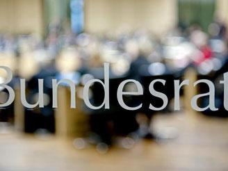 Bildung, Steuerbetrug und Kinderpornografie stehen auf der Agenda der letzten Sitzung des Bundesrates vor Weihnachten. Foto: Robert Schlesinger/Archiv