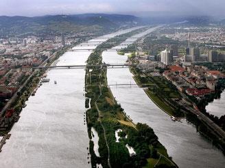 Im Juni beherbergt die Wiener Donauinsel gleich zwei große Konzert-Festivals: Rock in Vienna vom 4. bis 6. Juni und das Donauinselfest vom 26. bis 28. Juni 2015. Foto: Robert Jaeger