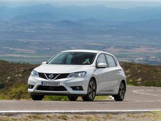 Ein neuer Spieler auf dem Golfplatz: Der Nissan Pulsar tritt gegen VW Golf, Mazda3 und Co. an. Foto: Nissan