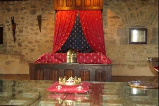 le 4 heure à L'Anglaise dans la cour d'honneur du château médiéval de Tennessus