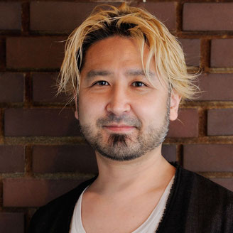 出演者写真:鷹野 雅弘(たかの・まさひろ)