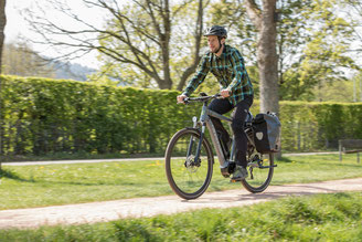 Spezielles Trekking e-Bike Zubehör in den e-motion e-Bike Shops finden