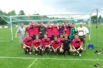 Die Meistermannschaft nach dem entscheidenden Spiel in Lenggries