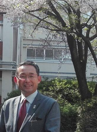 三嵜淳校長の写真