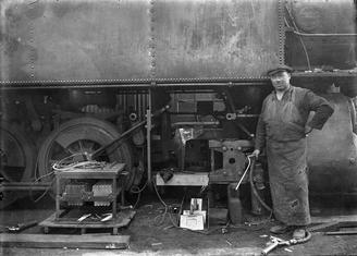 S. Hunter repariert eine neuseeländische Dampflok der Wj-Klasse mit dem Quasi-Arc-Verfahren, 1923