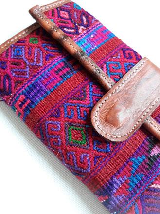 Leder Geldbörse mit Blumenmuster, bestickte mexikanische Etuit, Geldbörse Mexiko, mexikanische Mode, Mexikanische Textilien, Geldbörse aus Mexiko, Mexikanisches Design, Boho Fashion, Hippie style, ethno Fashion, Folklor Geldbörse, Karten Etuit