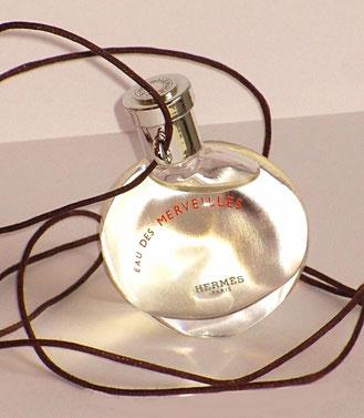 2004 - EAU DES MERVEILLES : MINIATUE SEULE AVEC SON CORDON