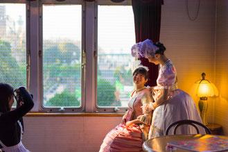 『横濱山手貴婦人の会』 撮影中の一コマ