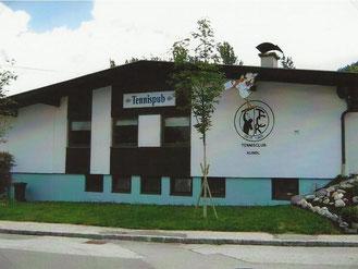 Vereinsheim mit Logo in neuem Glanz