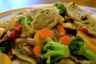 Maultaschen-Gemüse-Pfanne mit Pilzen 2