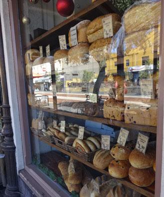 kikiが働いていたようなパン屋さんがたくさん
