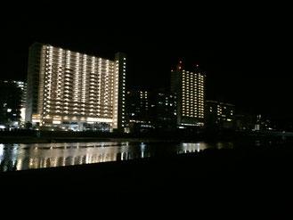 武庫川からの夜景