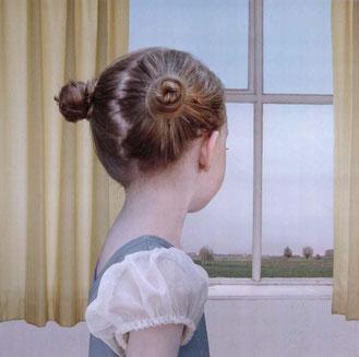 En la ventana. Loretta Lux. Museo Reina Sofía
