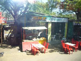 道端のレストラン画像検索より