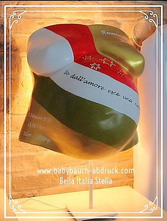 Babybauchabdruck Italien in gold mit Sternen Geburtsdatum und Namen als Lampe gestaltet, Gipsabdruck vom Babybauch / Reparatur & Gestaltung in München Ausgburg Ingolstadt Nürnberg Kempten Ulm Erfurt Frankfurt Freiburg Rosenheim Stuttgart Berlin Düsseldorf