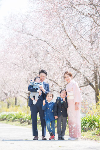 家族撮影 家族写真 出張撮影 名古屋 ファミリーフォト ウォレスともみ 入学式 入園式
