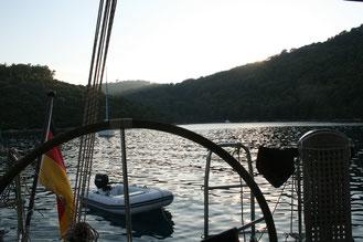 Bucht Richtung Sonnenuntergang