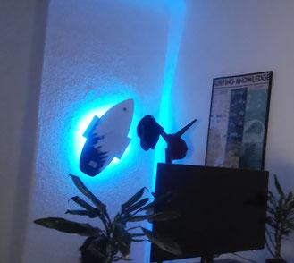 Wandhalterung Wandmontage Surfboard horizontal vertikal Halterung wall mount LED Beleuchtung beleuchtet