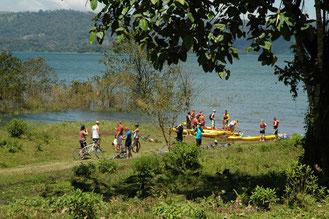 Bicicletas de Montaña y Kayak en el Lago Arenal