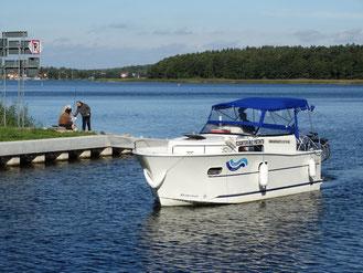 Hausboot NAUTIKA 830 BASIC | 4+2 Kojen, 1 Schlafkabine | ohne Führerschein