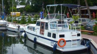 Hausboot TOP KRUISER 1000| 4+2 KOJEN |1 Schlafkabine | ohne Führerschein
