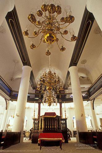 sehenswürdigkeiten-mikve-israel-emanuel-synagoge-urlaub-curacao-villa-ferienhaus-pool-karibik
