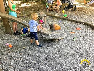 Spaß für die Kinder beim Guggeien-Höchst.