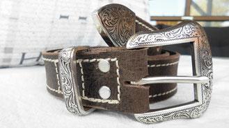 Ledergürtel Büffelleder mit Westernschnalle buckle verziert