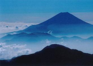 青冨士(赤石岳山頂より)