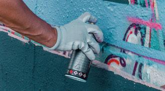 Graffiti sprühen lernen für Teenager Erlebnisse und Geburtstage als kreative Geschenkidee