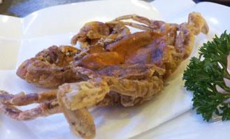 「炸软壳蟹」というカニの丸揚げ。カニの小エビの唐揚げ版です。柔らかく丸ごと食えちゃいます。
