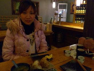お客さんは場所のせいか日本人はボクだけでした。