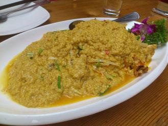 チョット贅沢に「金牌咖喱蟹」は118元。カニが埋もれてますが、カレーと卵を和えた料理。まろやかで美味しかったです。