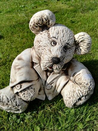 herziger Bär, zum Knuddeln, 49,-