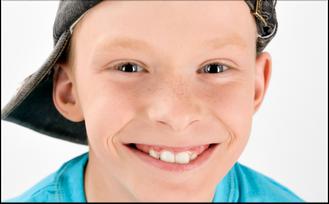 Sicheres Gefühl mit geschützten Zähnen (© Aliaksei Sabelnikau - Fotolia.com)