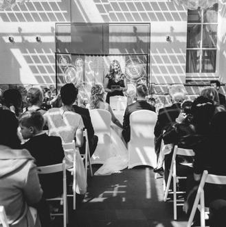 Philosophy Love, Freie Trauung, Trauredner, Trauteam, Düsseldorf, NRW, Hochzeitsblog, Real Wedding, Hochzeitsfotografie, Hochzeitslocation, Trauung, Hochzeitsredner, Lisa Wötzel, Ines Würthenberger, Henning Konetzke, freie Redner, Redner, Hochzeit