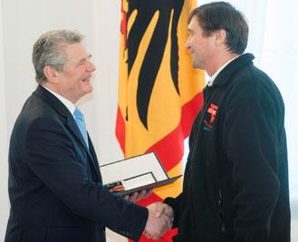Bundespräsident Joachim Gauck (links) mit Manfred Wille