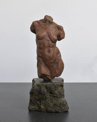 Maquette of Yin,  13 x 5 cm, terracotta