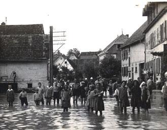 Ein neu ins Archiv gekommenes Bild zeigt das Hochwasser in Flehingen vom 04.08.1931