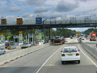 オーストラリアの高速道路:本線上のETCと側線の「一般」