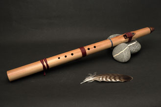 Flöte aus Red-Wood-Cedar, Ton E, Stein Lapislazuli