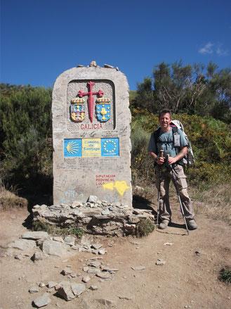 Camino Francés - Am Grenzstein zu Galizien
