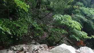 神璽の谷 入口