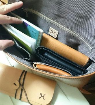 私の鞄の中身です(((^_^;)