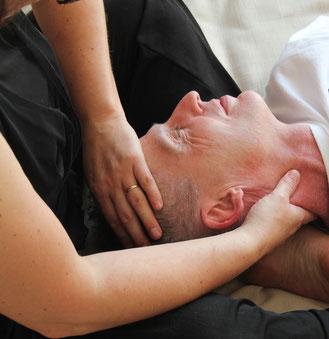 Etat de bien-être et de santé. Le but recherché est de permettre au corps de se relâcher, d'évacuer des tensions corporelles, organiques, articulaires ou énergétiques.